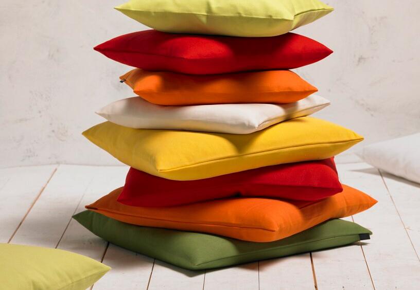 sch ne kissen und wohntextilien vom hersteller kaufen apart apart onlineshop. Black Bedroom Furniture Sets. Home Design Ideas